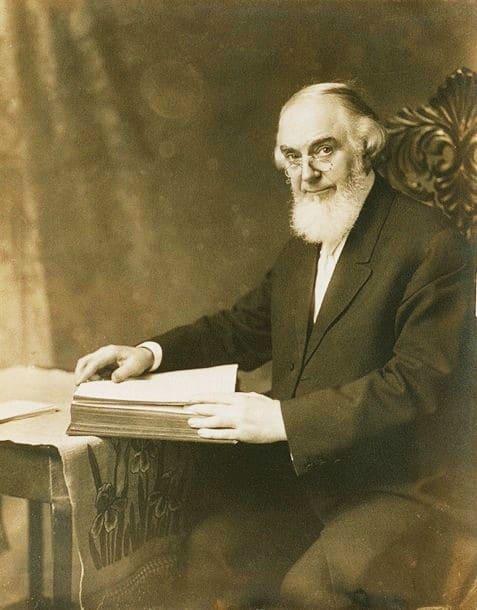 Quien fue el fundador de los Testigos de Jehová