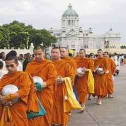 ¿Sabes cómo es la Vestimenta Budista?, descúbrala aquí