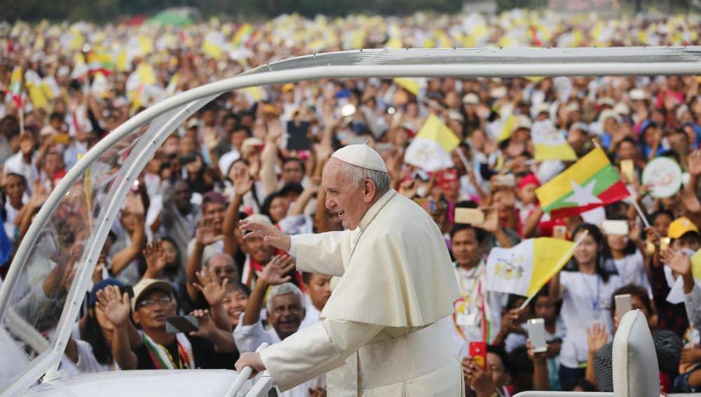 Viajes-del-Papa-Francisco-11