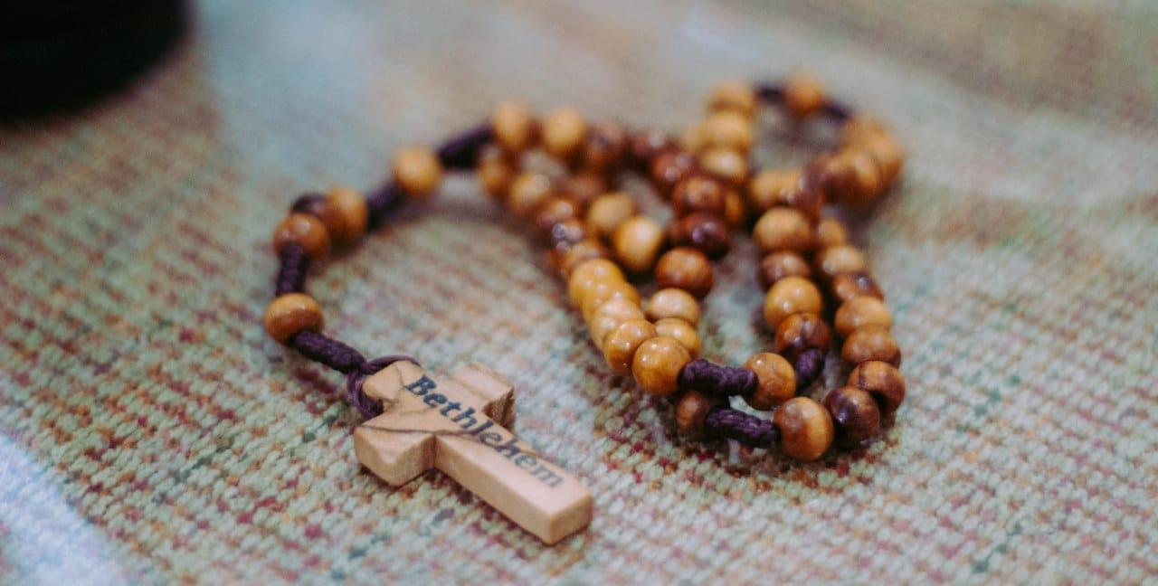 como rezar los mil jesuses