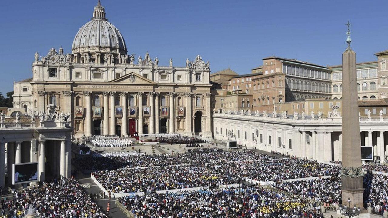 quien fundo la iglesia catolica